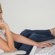 Online vyřízení půjčky doma - ilustrační foto